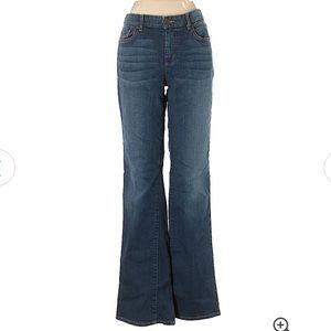 ❤️Eddie Bauer Blue Jeans MSRP $68!